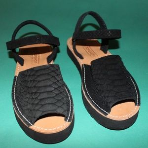 Topshop Black Ankle Strap Animal Textured Sandals